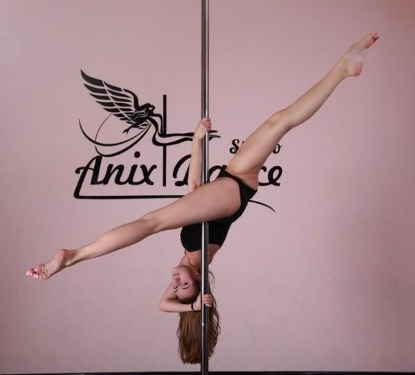 Pole dance для начинающих Москва - Cтудии Anix Dance